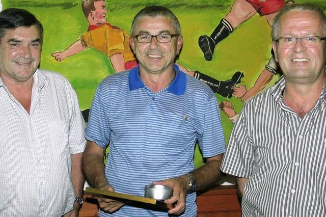 Karl Burkhart führt weiterhin den SV Hecklingen