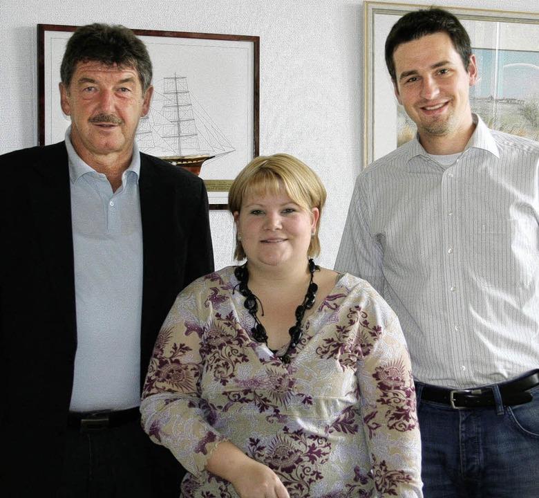 Hauptamtsleiter Tobias Gantert (rechts...im Bild Bürgermeister Thomas Fechtig.   | Foto: Birgit Rüde