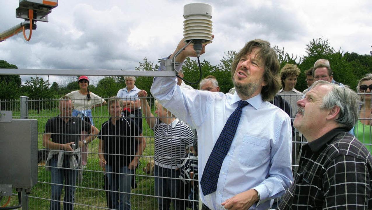 Meteorologe Jörg Kachelmann erläutert ...mlach gemessen und  abgelesen werden.   | Foto: Jutta Schütz