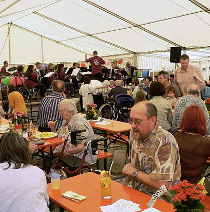 Das Sommerfest des Markus-Pflüger-Heim...des  Akkordeon-Orchesters Schwörstadt.    Foto: Georg Diehl