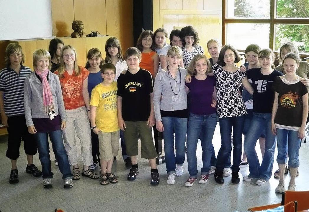 Sie proben schon fleißig fürs Musical ...Schüler des Theodor-Heuss-Gymnasiums.     Foto: Privat