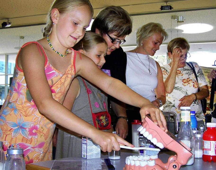 Auch über gesunde Ernährung lernten di...Ihringer Neunlinden-Schule eine Menge.  | Foto: benjamin bohn