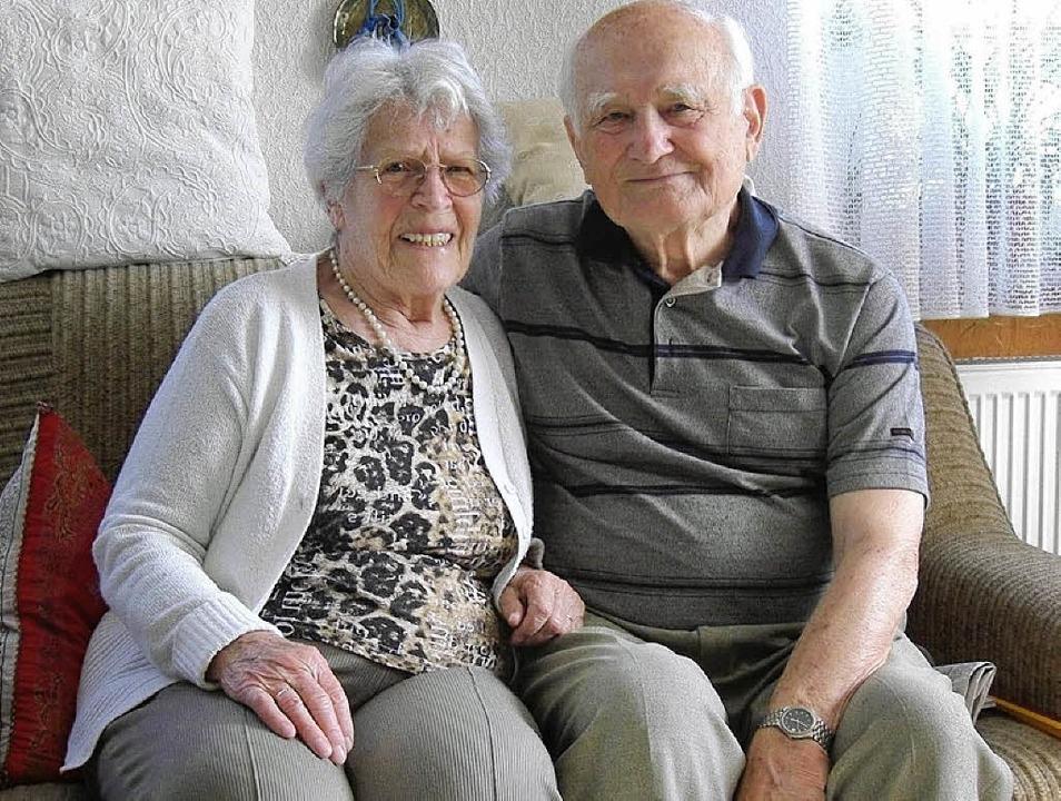 Seit 65 Jahren sind Hilda und Friedruch Schwendt ein Ehepaar.    Foto: Le Bras