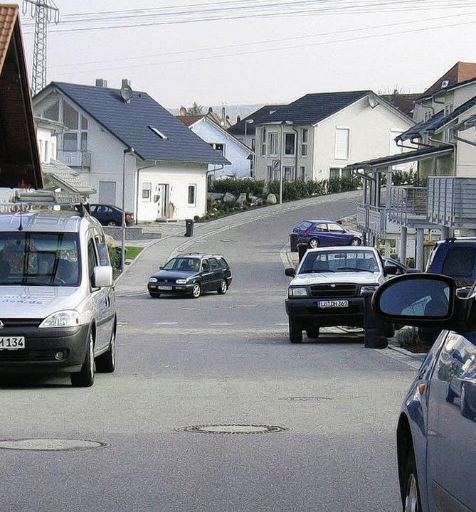 Zu viel Verkehr im Neubaugebiet: Die Gemeinde handelt   .     Foto: Maier