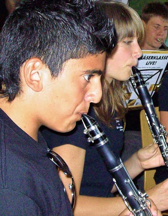Das  Jugendorchester des MV Schwörstadt  wusste beim Gartenfest zu überzeugen.   | Foto: Birlin