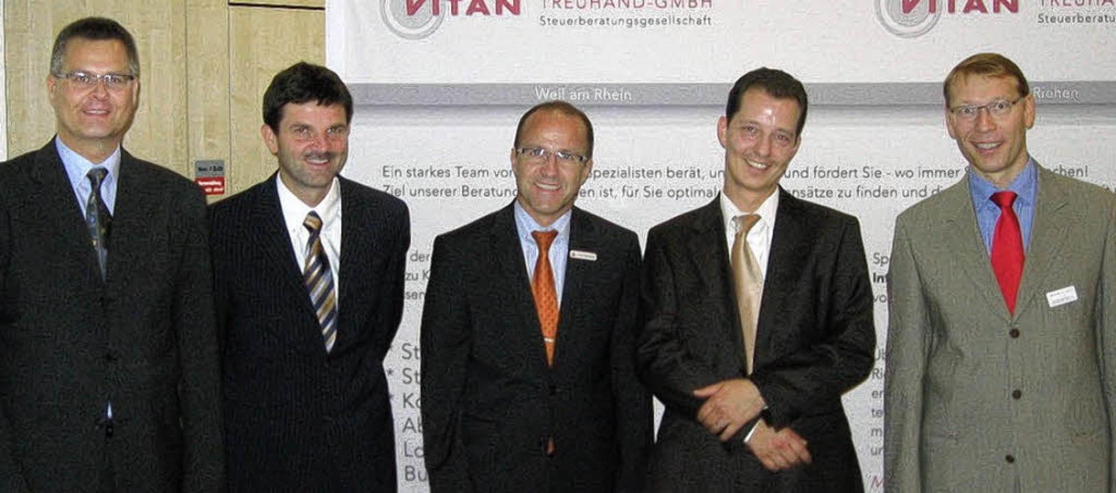 Referenten und Gastgeber beim Info-Abe...llegen) und Jürgen Brombacher (Vitan)   | Foto: WWT