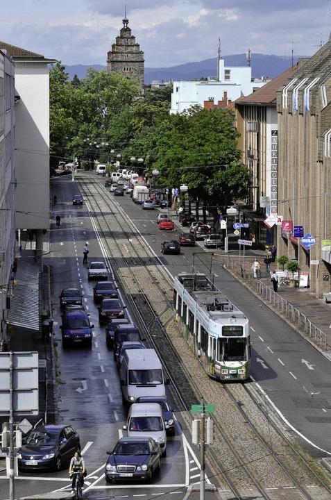 Die Habsburgerstraße vom Siegesdenkmal aus.     Foto: Ingo Schneider