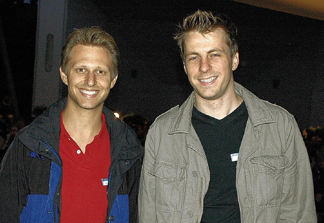 Alexander Dieterle (links) und Jochen ...ustrom beim Open Air Kino begeistert.     Foto: Markus Baier
