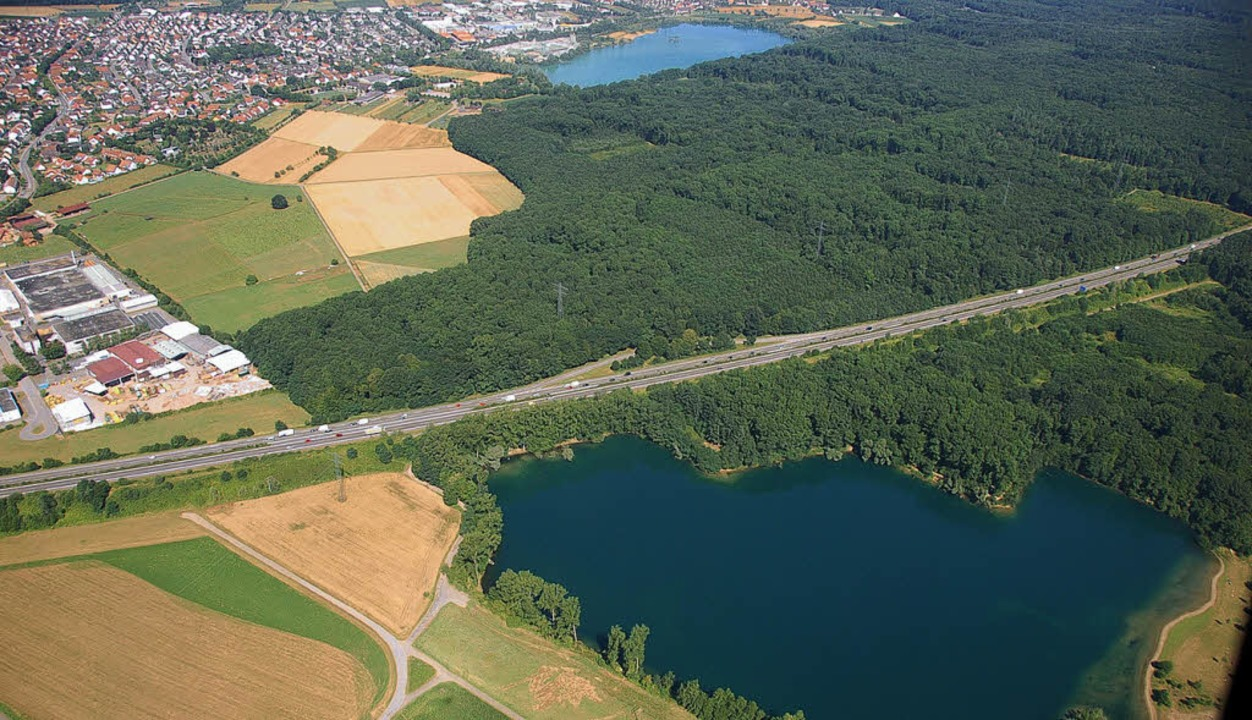 Käme es  bei Offenburg zu einer autoba...er Burgerwaldsee zugeschüttet werden.   | Foto: helmut seller