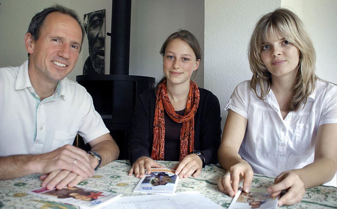 Volker Schöll vom ASF-Komitee  mit  Ta...uscherfahrung gemacht haben (v. l. ).     Foto: Siefke