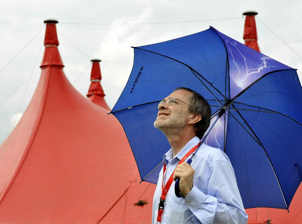 Dieter Pfaff kümmert sich beim ZMF um ...– auch um die Wettervorhersage.   | Foto: Ingo Schneider