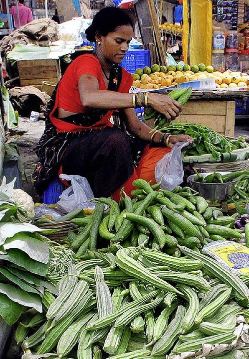 Wegen der hohen Inflation können sich ...erung bringt das in Schwierigkeiten.      Foto: DPA