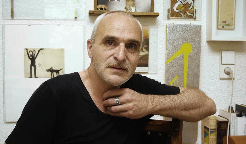 José F.A.Oliver lebt in ... Sonntag zur Lesung nach Waldkirch.     | Foto: Frank Berno Timm