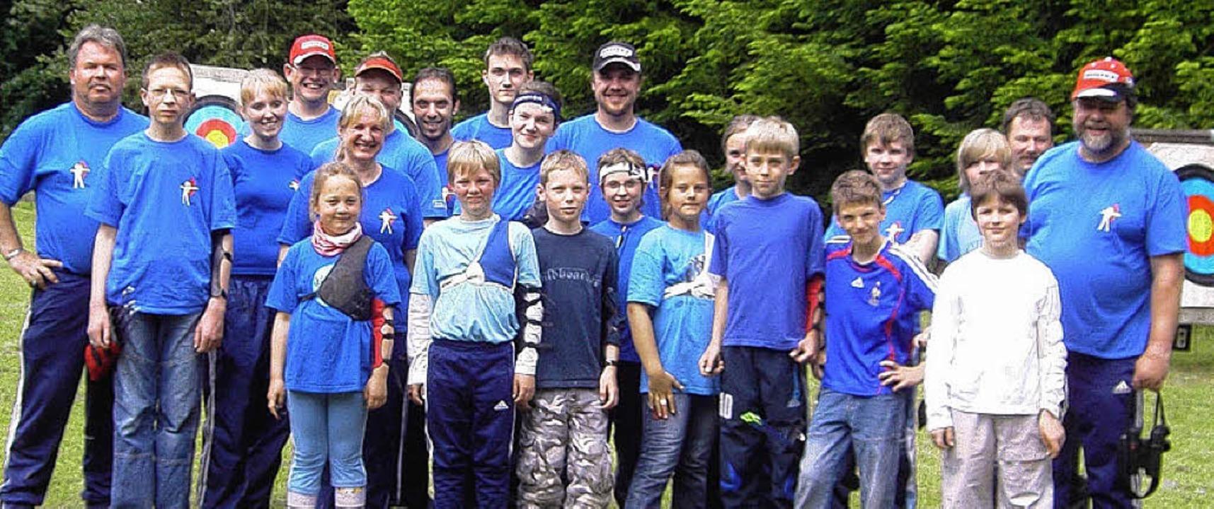Die erfolgreichen Zeller Bogenschützen   | Foto: BZ