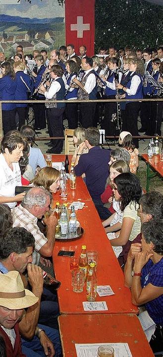 Tolle Stimmung und Tausende  Besucher ...es  Fests des Musikvereins Egringen.    | Foto: SENF