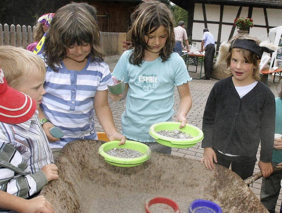 Auch an die Kinder war beim Pfarrfest gedacht.   | Foto: heidi fössel
