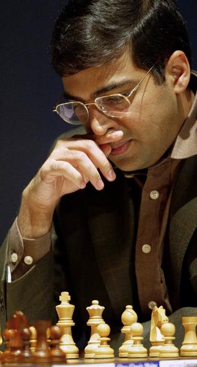 Genie bei der Kopfarbeit: Viswanathan Anand  | Foto: ddp