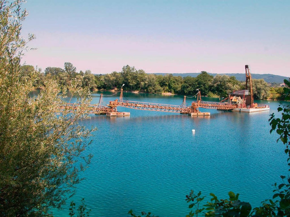 Das Grundstück gehört der Firma Vogel-Bau, die eine Kiesgrube am See betreibt.  | Foto: Claudia Krappitz