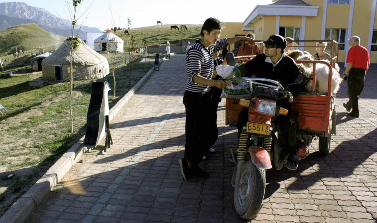 Vom nördlich gelegenen Urumqui  aus (F...nas durchquert und nährt sich Peking.   | Foto: Reklin