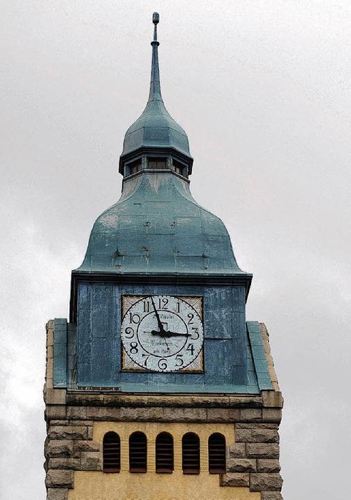 Der Turm der evangelischen Kirche