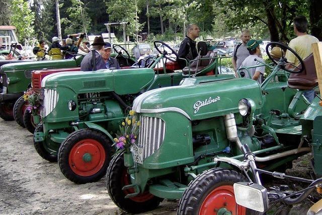 Über 100 Traktoren locken breites Publikum an