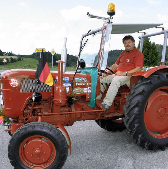 mit dem oldie traktor ber die alpen grafenhausen. Black Bedroom Furniture Sets. Home Design Ideas