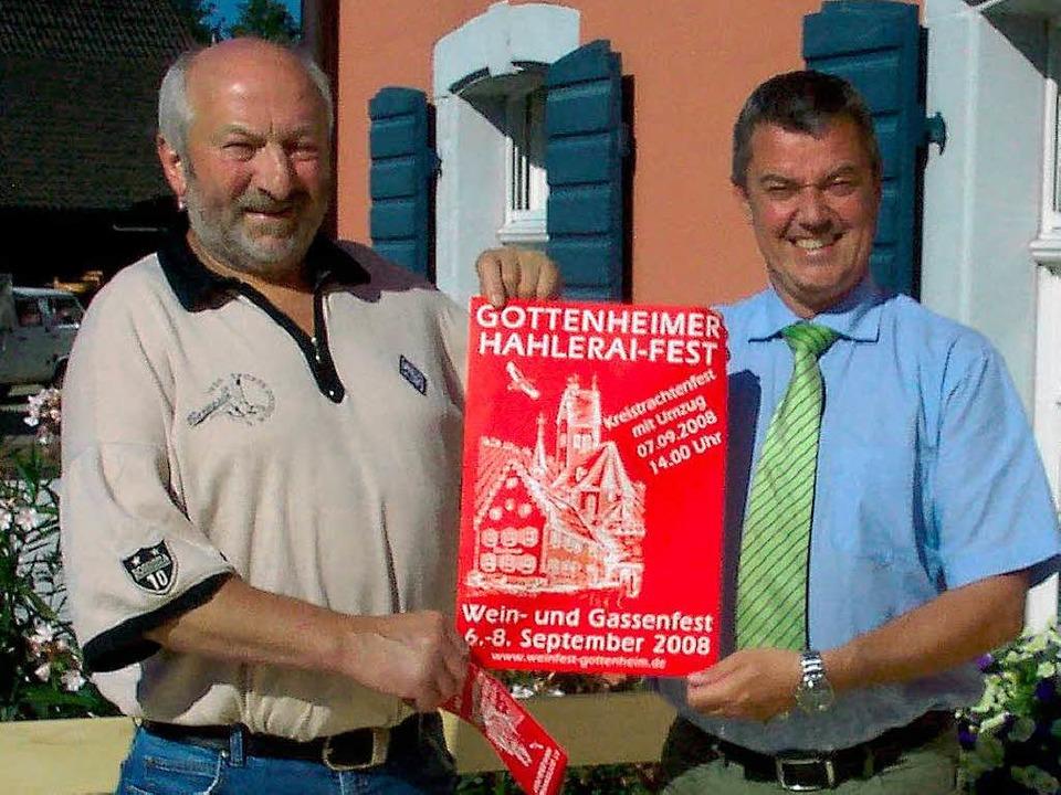 Freuen sich aufs Fest: der Vorsitzende...inks) und Bürgermeister Volker Kieber.  | Foto: Schöneberg