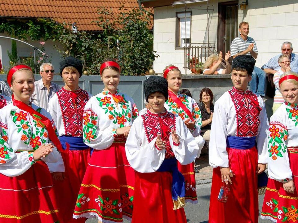 Die Folkloregrupe Tschervona Ruta aus der Ukraine  | Foto: sebastian ehret