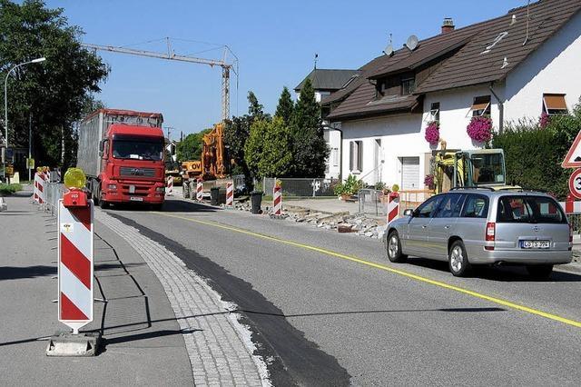 Start für den Geh- und Radwegbau