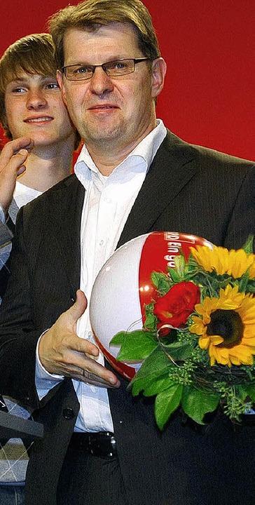 Versucht es mit neuen  Image: Ralf Stegner mit  Sohn Tilman   | Foto: DPA