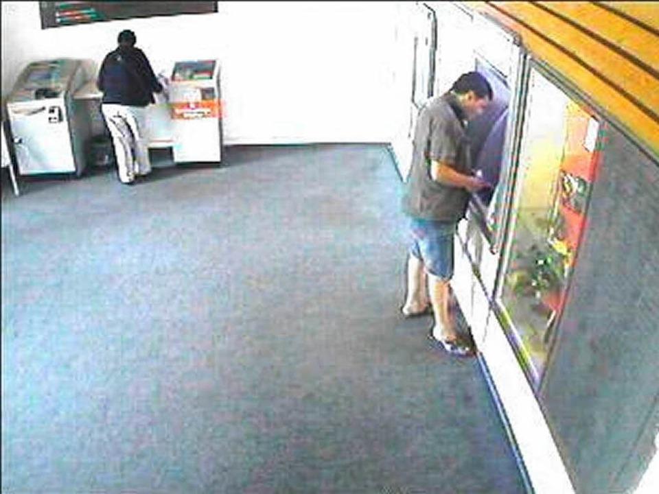 In der Bank.    Foto: Polizei