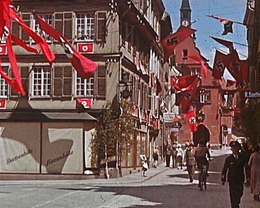 Auch die Gebäude am Sonnenplatz und de...aren zum Kreisparteitag 1939 beflaggt.  | Foto: Stadtarchiv