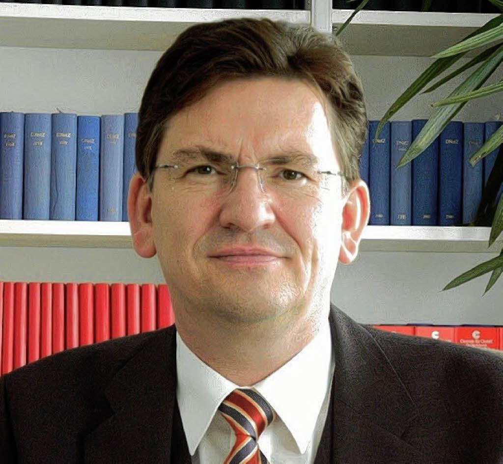 Der erste freie notar offenburg badische zeitung for Neuwirth motors service department