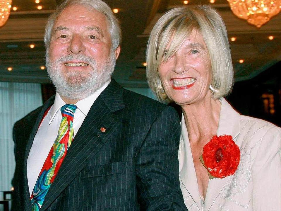 Das Ehepaar Wolfram und Barbara Siebec...im 80. Geburtstag des Gastrokritikers   | Foto: dpa
