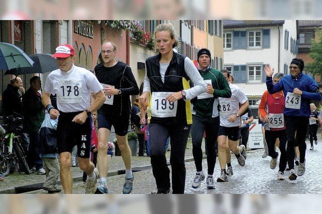 Zuschauer feuern 350 Läufer an
