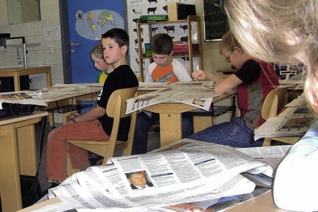 Zeitung interessiert die Grundschüler