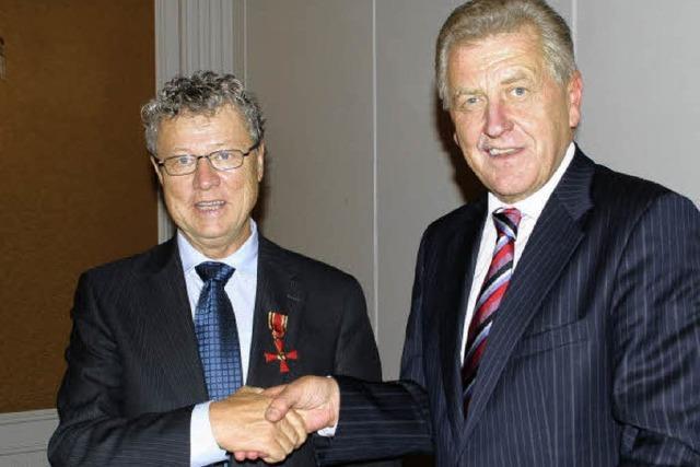 Bundesverdienstkreuz an Architekt Helmut Zenker