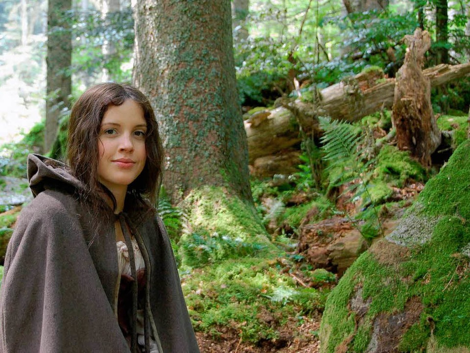 Kantorka (Paula Kalenberg) im Eisenbrechemer Wald  | Foto: Derndinger