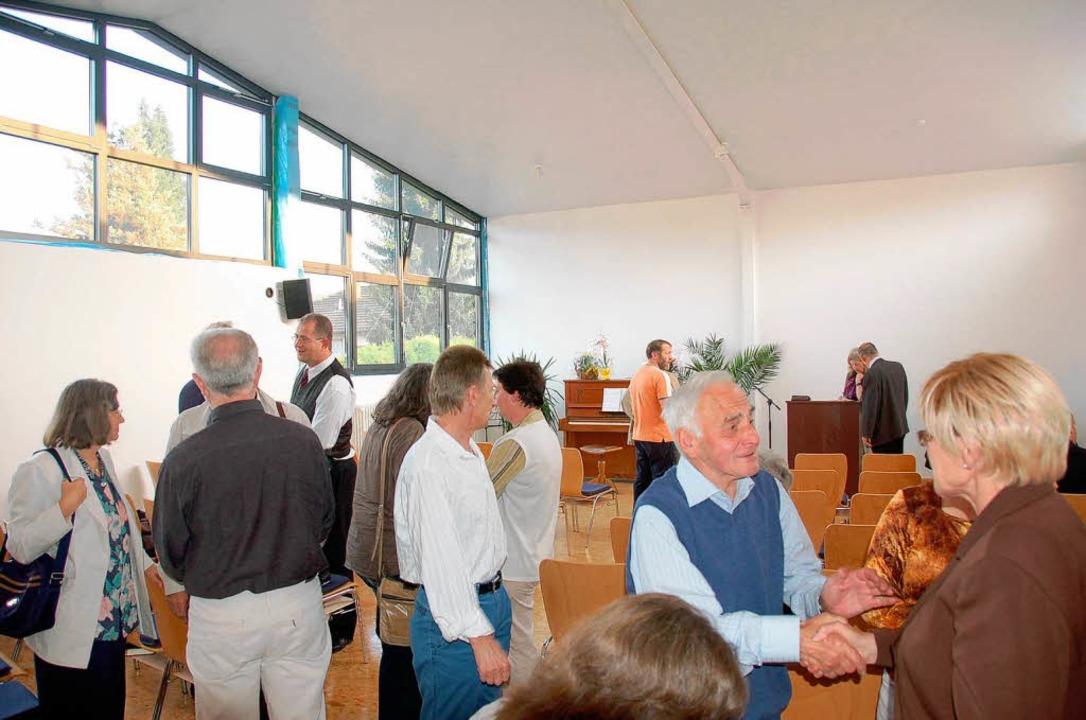 Eröffnung der Gemeinderäume für die Ch...Maulburg in einer ehemaligen Werkstatt  | Foto: Nicolai Kapitz