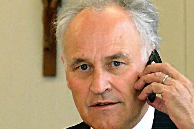 Banken-Krise: Huber kündigt Rückzug an