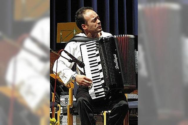 Der Maestro aus Genua am Akkordeon