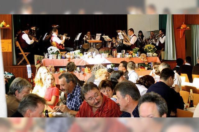 Herbstfest füllt die Halle