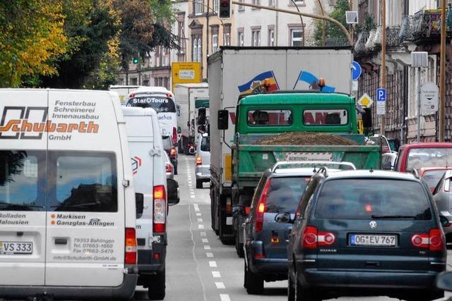 Laster verliert Kies im Kappeler Tunnel