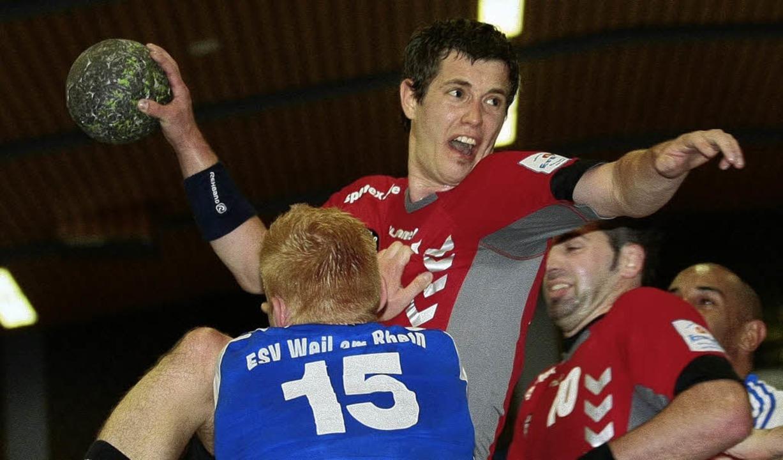 Handball Herren 2008/2009TUS Altenheim...ster (TUS Altenheim #24) wird geblockt  | Foto: Peter Aukthun-Goermer
