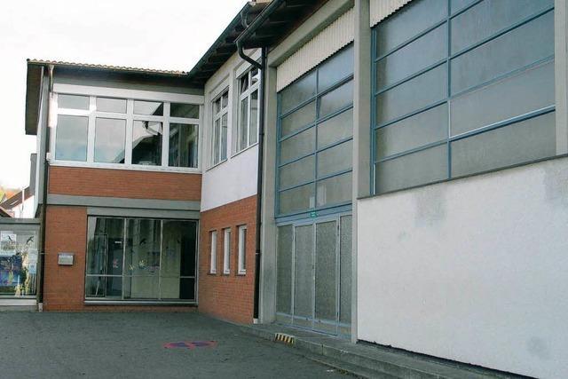 Die Schule wird saniert, die Halle neu gebaut