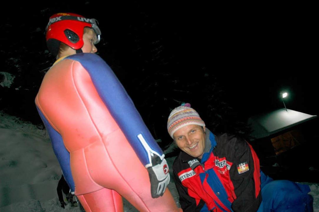 Seit 20 Jahren ist Benno Kaiser begeis... die Zukunft des Skispringens schwarz.  | Foto: Johannes Bachmann