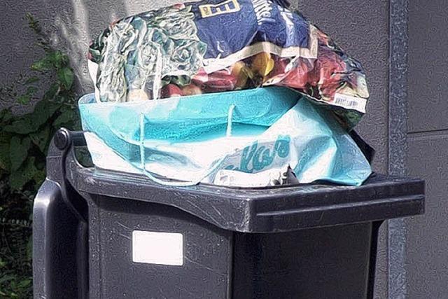 Überfüllte Müllgefäße bleiben stehen