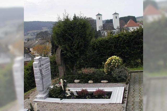 Kirche will Geld für die Nutzung des Friedhofs