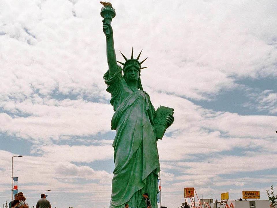 Die Freiheitsstatue im Norden Colmars ...tadt zu ihren amerikanischen Freunden.  | Foto: Jill Köppe