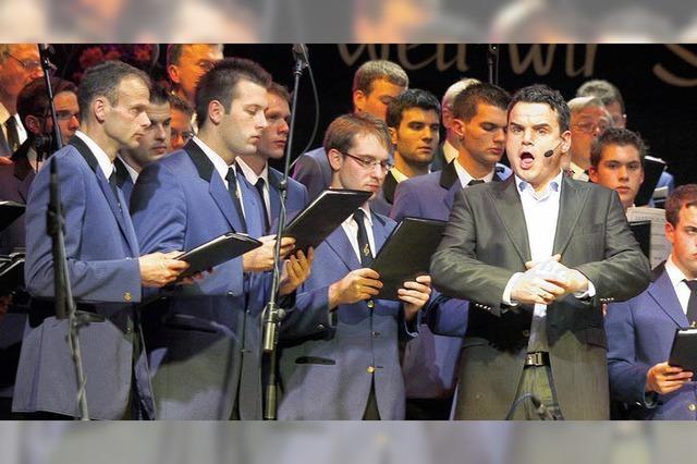 Chor und Combo in Hochform